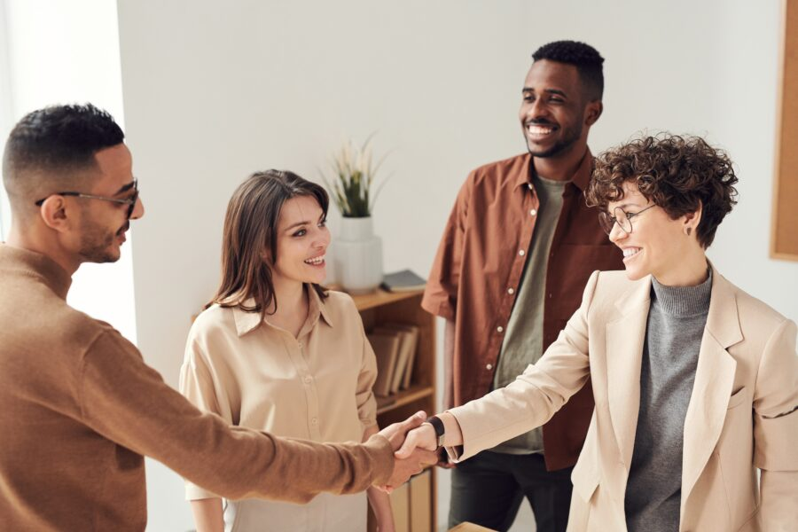 Read about the ways lawyers can get more clients in 2021.