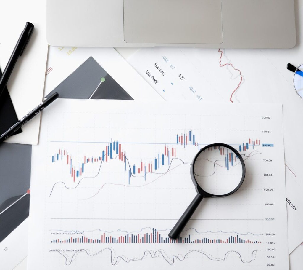 Read this complete guide to competitive analysis for law firm.