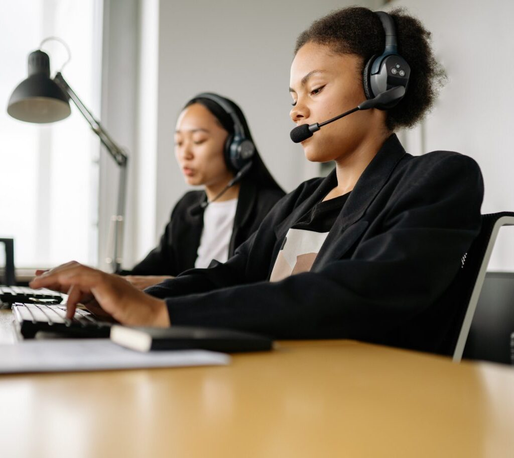 Live chat support is one type of customer service you should know about.